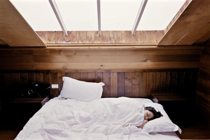 寝姿勢(カラダの丸まり具合)にも体調があらわれる